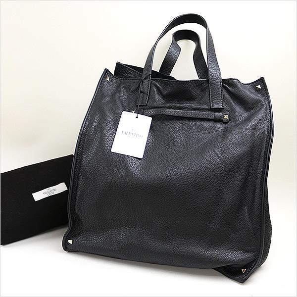 本日VALENTINO 15AW ロックスタッズレザートートバッグをお買い取りさせて頂きました!!