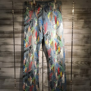 本日Dior Homme 15SS マルチペイントデニムパンツをお買い取りさせていただきました!! ランウェイでも使用されたペイントデニムです!中古市場にあまり出回りはございません!! 近々楽天、ヤフオクにも出品致しますのでお楽しみに!!
