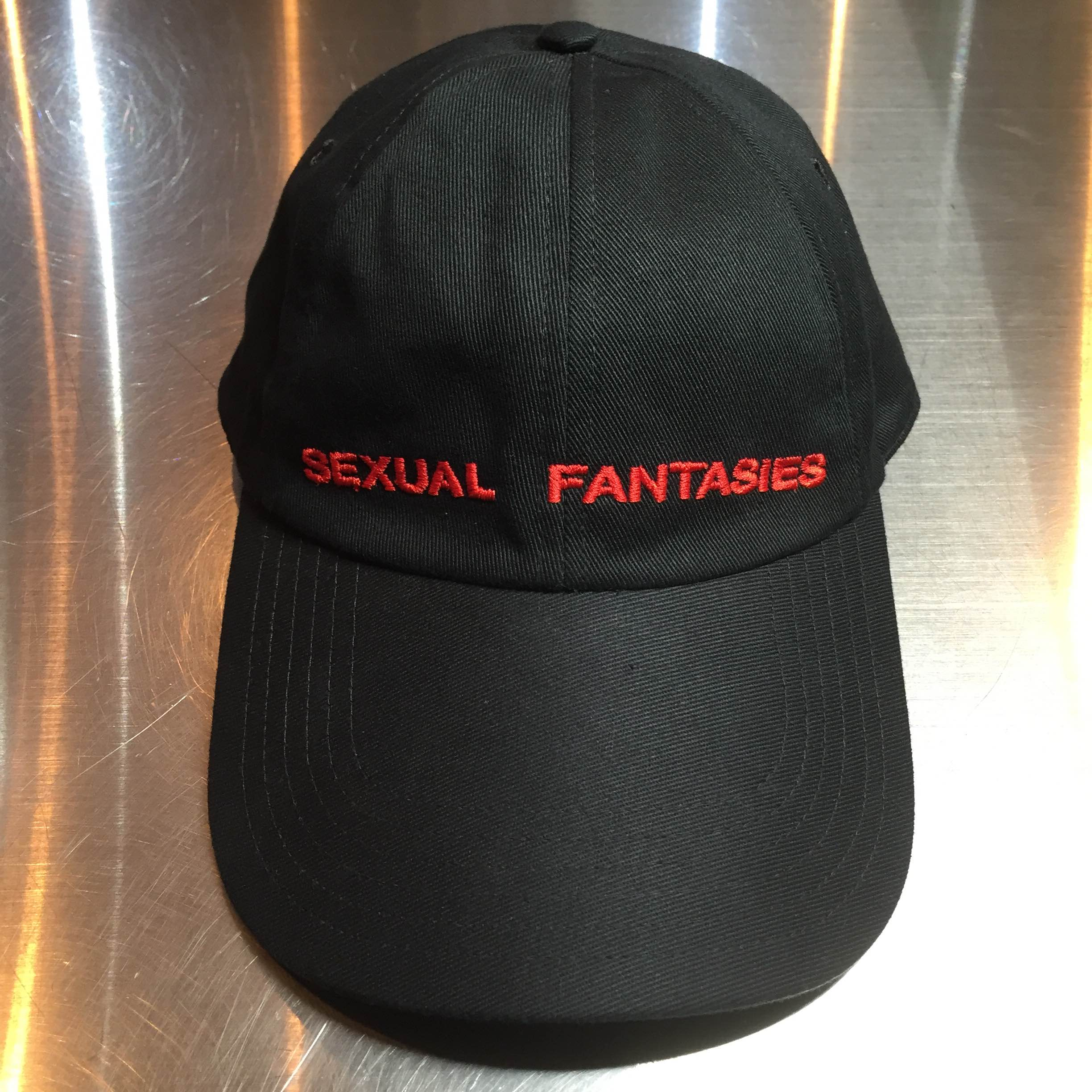 VETEMENTS 16AW SEXUAL FANTASIES 刺繍キャップ