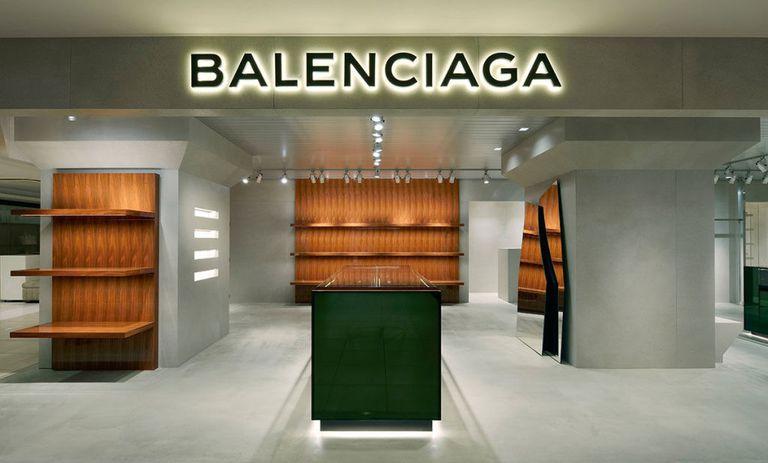 finest selection 7bc7e 0f6db 今最も注目すべきブランド、BALENCIAGA(バレンシアガ)の人気 ...